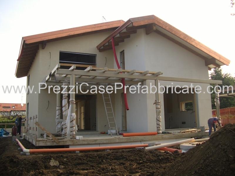Villa prefabbricata briosco mi cantieri in corso for Case prefabbricate roma prezzi