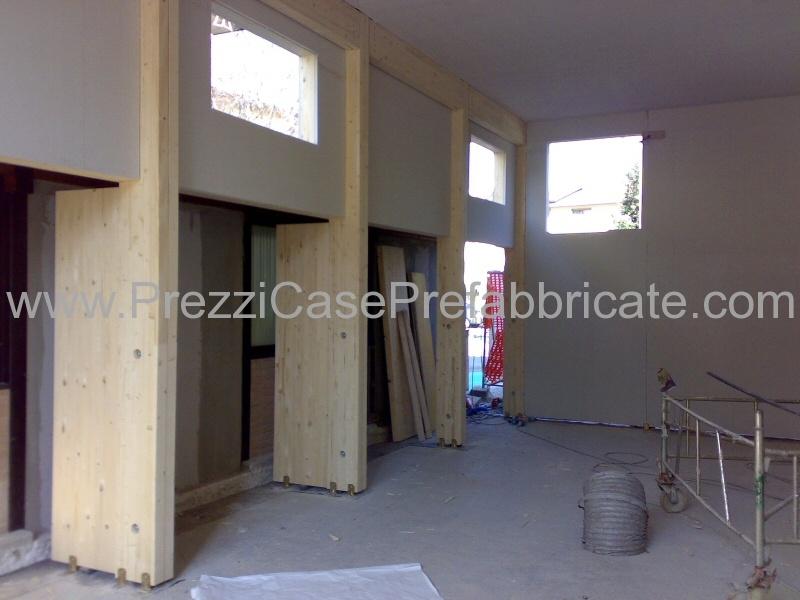 Capannoni prefabbricati in legno edilizia pubblica e privata for Capannoni in legno prezzi